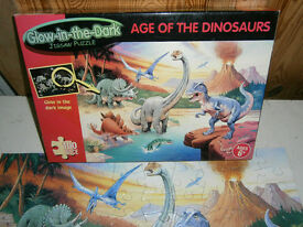 GLOW IN THE DARK DINOSAURS PUZZLE Age of Dinosaurs