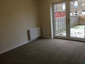 Modern 2 bed end terrace house to let BD22 keighley