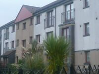 Easterhouse - 3 large bedrooms flat for long term let...