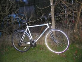 specialised crossroads 22 in frame hybrid,runs perfectly,nice classic