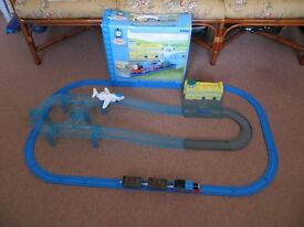 A NICE CLASSIC RARE BOXED THOMAS AND JEREMY AIRPORT SET TOMY TRACKMASTER THOMAS & FRIENDS