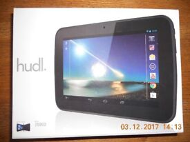 Tablet Android in excellent condition with original extras