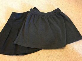 Girls school skirt age 4/5
