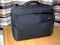 "TARGUS 17"" laptop carry case £20"