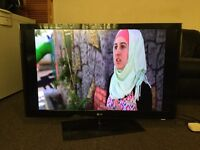 """37"""" L.G 37LH2000 FULL HD TV WITH BUILT IN FREE VIEWIN GREAT CONDITION."""