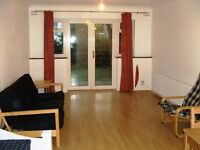 REALLY LOVELY 2 BEDROOM HOUSE TO LET IN ILFORD - 2 MINS STATION