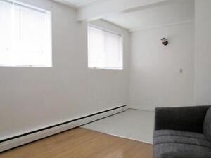 2 Bedroom Furnished -  - Louise Apartments - Apartment for... Edmonton Edmonton Area image 5