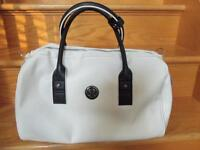 *BRAND NEW WITH TAGS* Lululemon Daily Om Duffel Bag - Polar Whit