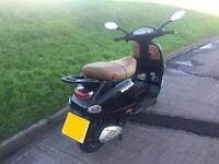 Vespa 125 - Low Miles - Black piaggio et4 scooter moped