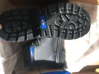 Safety work boots anti-slip