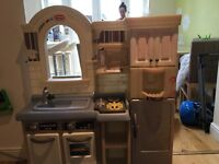 Little Tykes kitchen and food