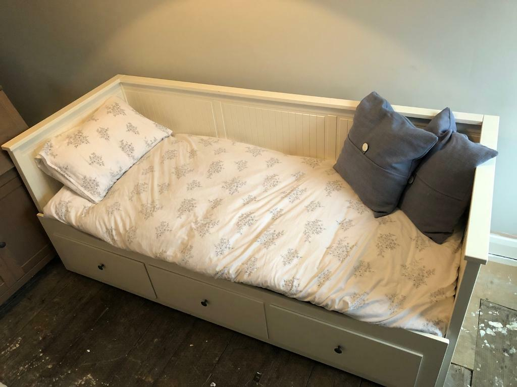 ikea hemnes day bed with mattress in pudsey west yorkshire gumtree. Black Bedroom Furniture Sets. Home Design Ideas