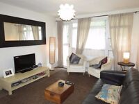 Cheap 3 bedroom flat in central Raynes Park!