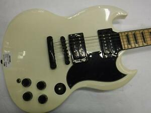 Epiphone Electric Guitar. We Buy and Sell Musical Instruments. 113889.