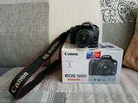 Canon Camera EOS 500D with Kit lens 18-55mm, camera bag, book and accessories