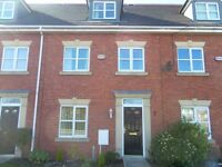 to rent modern lux 3 storey town hse, scarisbrick, southport, well presented, gdns, ensuite, pop loc
