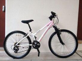 "(2817) 24"" Lightweight Aluminium MONGOOSE ROCKADILE GIRLS MOUNTAIN BIKE BICYCLE Age: 8-10, 130-145cm"