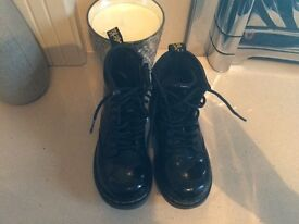 Black Paton doc martens infant size 8 in vgc