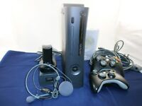 XBOX 360 + Kinect + 2 power blocks + Games + 2 wireless controller