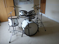 MAPEX Limited Edition drum kit