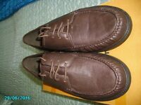 *BRAND NEW* LOVELY PAIR MENS BROWN SHOES SIZE 9.
