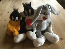 LOONEY TUNES SOFT TOYS BUGS BUNNY DAFFY DUCK SYLVESTER VERY COLLECTABLE ALL IN VERY GOOD CONDITION!!