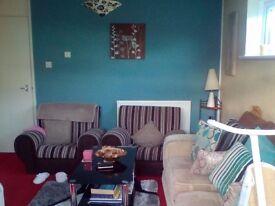1 bed flat to rent £450 p month plus £200 deposit excluding bills.