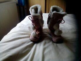 Girls sze 9 boots