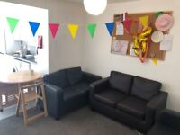 SB Lets are proud to offer this lovely, large 6 bedroom terraced house. STUDENTS WELCOME!
