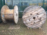 LARGE CABLE DRUM IDEAL GARDEN PROJECT TABLE LARGE CLOCK FACE GOOD USED CONDITION FREE LOCAL DELIVERY