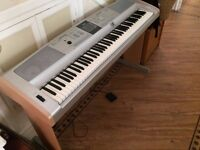 Yamaha DGX 505 Portable Grand Piano Keyboard ALMOST BRAND NEW RRP £750 - Bargain elite keyboard