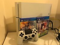 PS4 White 500GB with Battlefield 1 & FIFA 16-PERFECT CONDITION,with original accessories & box