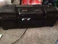 SANYO Double CD and Double Cassette player(radio doesn't work)