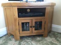 Oak Corner TV cabinet. Excellent Condition