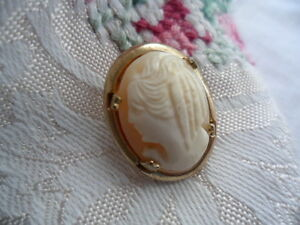 VINTAGE-VICTORIAN-LADY-CAMEO-BROOCH-PIN-TO-DRESS-DOLL-OR-BEAR-OR-WEAR-GOLD-PLATE