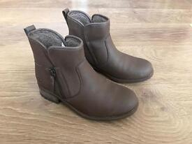 Genuine UGG Lavelle Brown Suede Boots (Size 4)