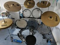 Trapps drum kit with (several) new cymbals and double bass peddle (10 piece set)