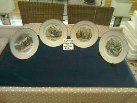 Set of 4 Royal Worcester Christmas plates