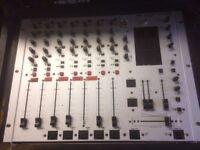 Behringer Pro Mixer DX 1000