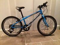 Islabike Beinn 20 small blue bike