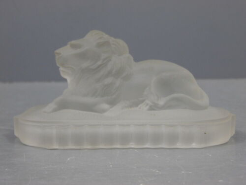 ANTIQUE SIGNED 1876 CENTENNIAL EXHIBITION GILLINDER FROSTED LION PAPERWEIGHT