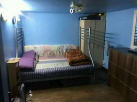 Studio Available for couples off yeading lane.