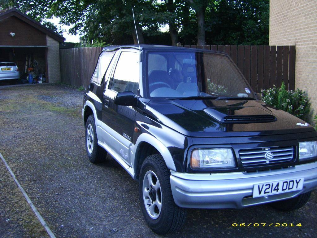 sold suzuki vitara 4u2 1999 convertible soft top low mileage sold in broomhouse edinburgh. Black Bedroom Furniture Sets. Home Design Ideas