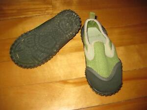 Old Navy child's water shoes Cornwall Ontario image 1