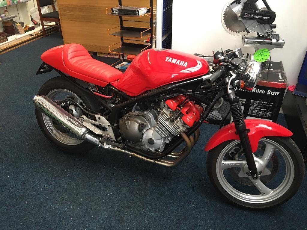 yamaha xj600 cafe racer in waterlooville hampshire gumtree. Black Bedroom Furniture Sets. Home Design Ideas