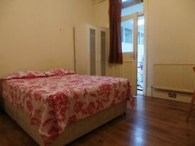 Double room in Leyton (central line) 130pw! BILLS & WIFI INCLUDED!