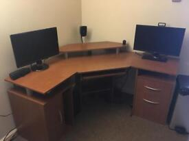 Large computer desk workstation with keyboard tray