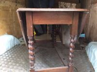 Old oak table £29.00 Free local delivery