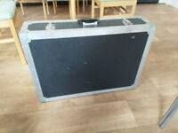 solid flight case for transport and storage of pa gear