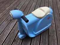 Skoot Kids Ride On Suitcase